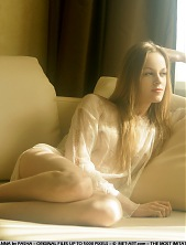 ANNA AG  BY PASHA - PRESENTING ANNA - ORIG. PHOTOS AT 3800 PIXELS - � 2006